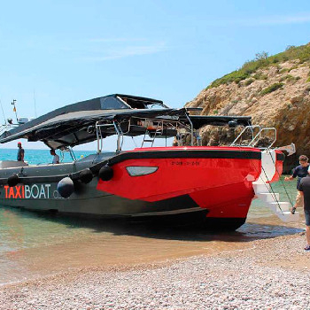 Rent your Power Boat in Barcelona or surroundings and enjoy our boat ride.
