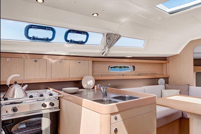 Sailing Boat 530