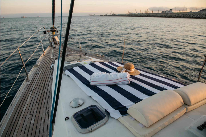 Barefoot Sailboat 949