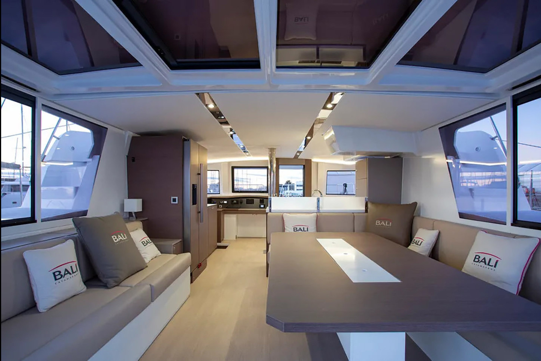 Catamaran Elan 568