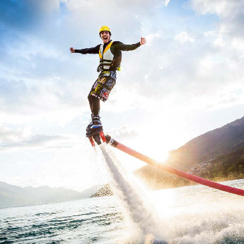 Fly with a water jet while enjoying the best Flyboard in Barcelona.