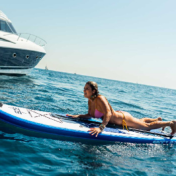Sail along the coast, turn up the music, throw the toys into the water and enjoy!