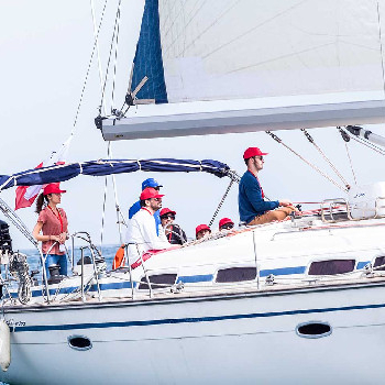 CSR eco sailing to make your team aware of the environment while having fun.