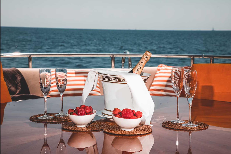 Cena en Barco 378