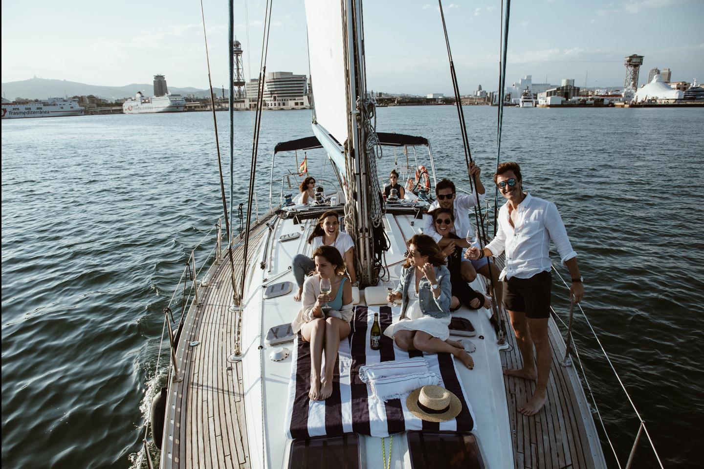 Sunset sailing 725